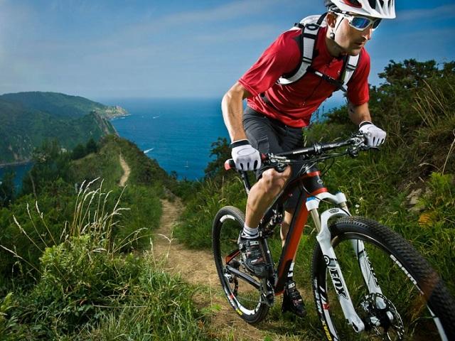 hướng dẫn đạp xe leo núi