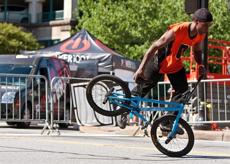 Xe đạp biểu diễn BMX