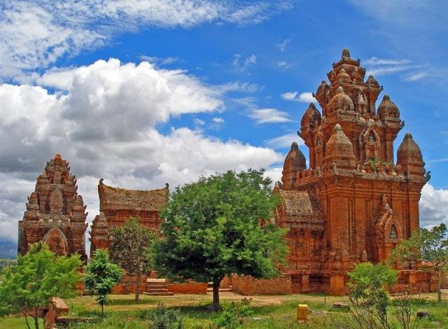 Tháp Chăm Po Klong Garai