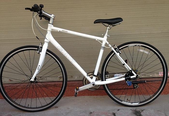 Xe đạp Nhật bãi touring Giant Escape Air