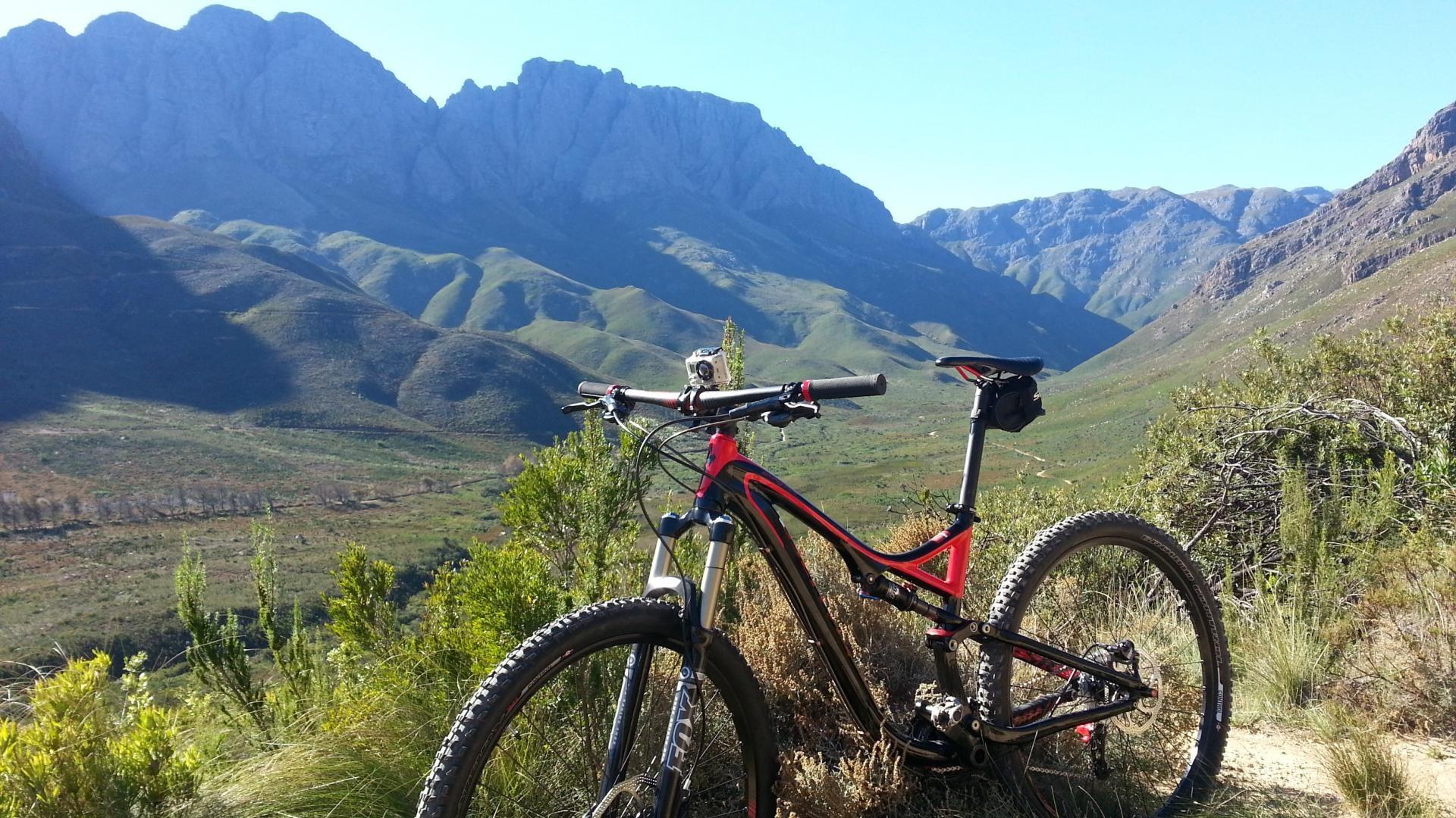 Hình ảnh xe đạp thể thao MTB